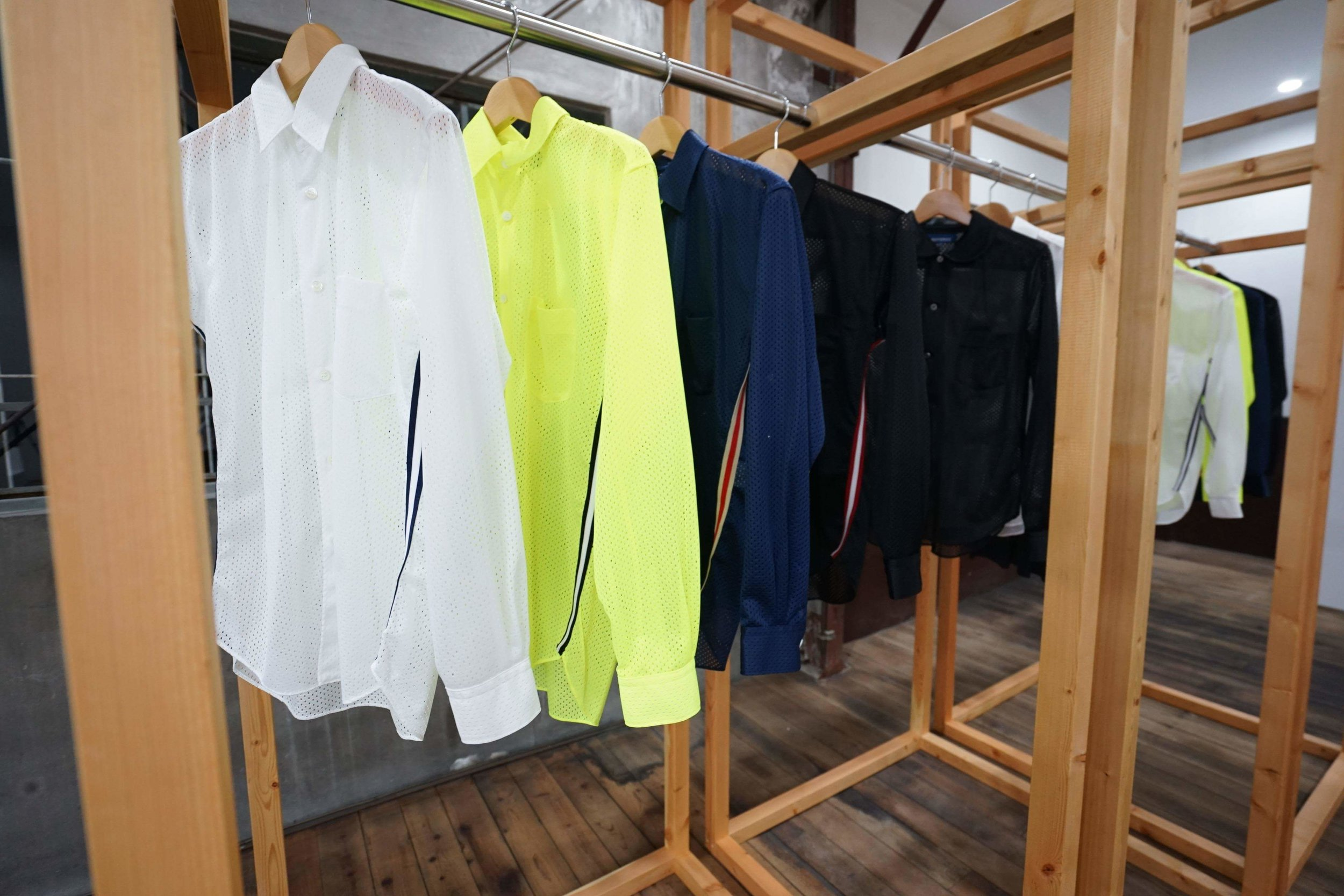 COLOR:BLACK,YELLOW,NAVY,WHITE  SIZE:S,M,L  ¥24,000+tax
