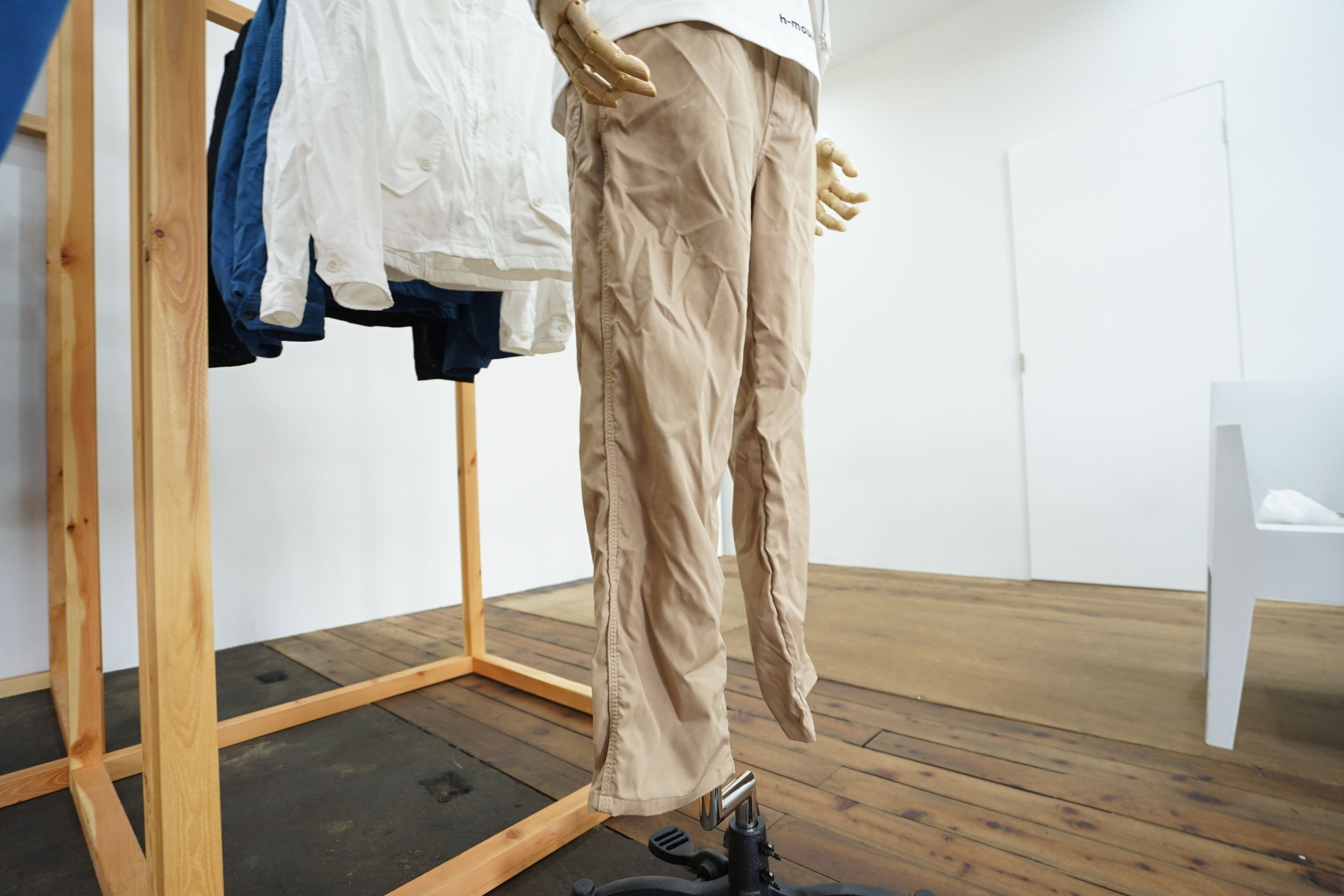 COLOR:BLACK,BLUE,BEIGE  SIZE:S,M,L  FABRIC:POLYESTER100%  ¥28,000+TAX
