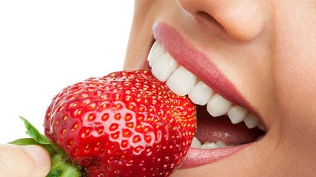 5 foods that naturally whiten teeth: *Strawberries -Strawberries contain an enzyme known as malic acid, which acts as a natural astringent to remove discolouration and whiten teeth. *Cauliflower and broccoli -Foods that are high in fibre and slightly coarse, such as raw cauliflower or broccoli, can provide a natural abrasive to help keep teeth clean. *Apples, celery and carrots -Similarly, eating crunchy fruits and vegetables such as carrots, apples and celery, increases saliva production to help wash away food particles and harmful bacteria, minimising tooth discolouration. The reduction of bacteria can also help to eliminate bad breath. *Cheese, milk and yoghurt -The lactic acid found in dairy products such as cheese, milk, and yoghurt, can help protect against enamel erosion, while whitening teeth and preventing tooth decay. *Pineapples -Pineapple contains an ingredient called bromelain, which is a protein often used in natural toothpaste to help remove surface stains and plaque. #thefinchleydentist #northlondonbusiness #localdentist #familydentist #privatedentist
