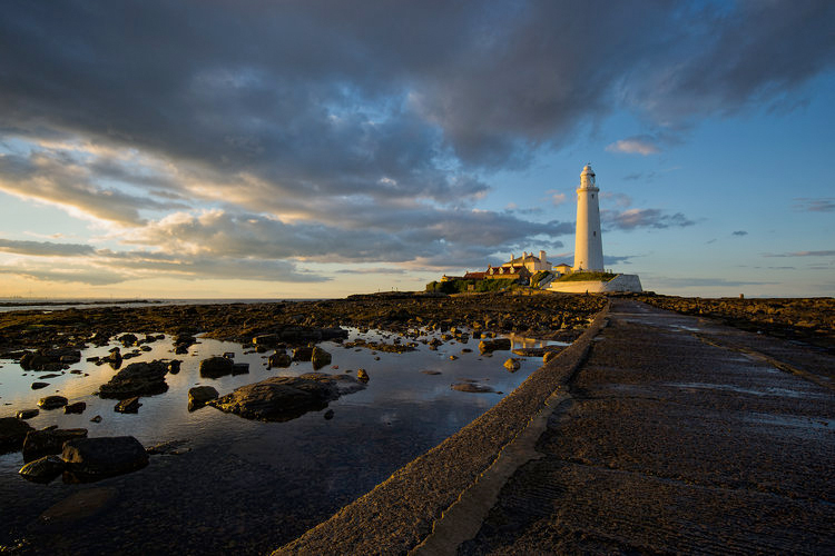 North of Tyne_lighthouse.jpg
