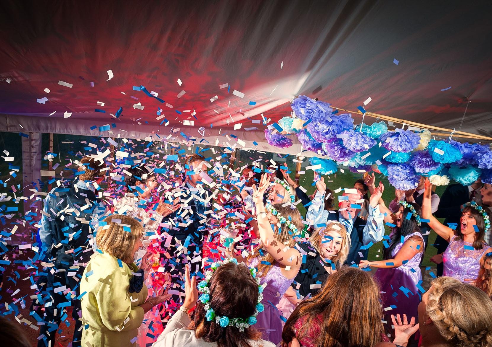 confetti-canon-at-wedding.jpg