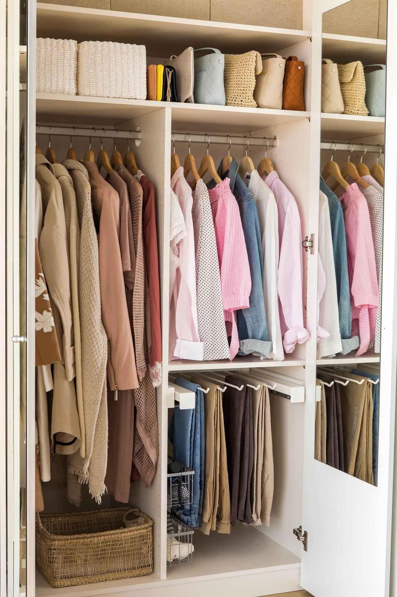 interior-armario-con-ropa-ordenada_00456532_4a8bfc9b_1333x2000.jpg
