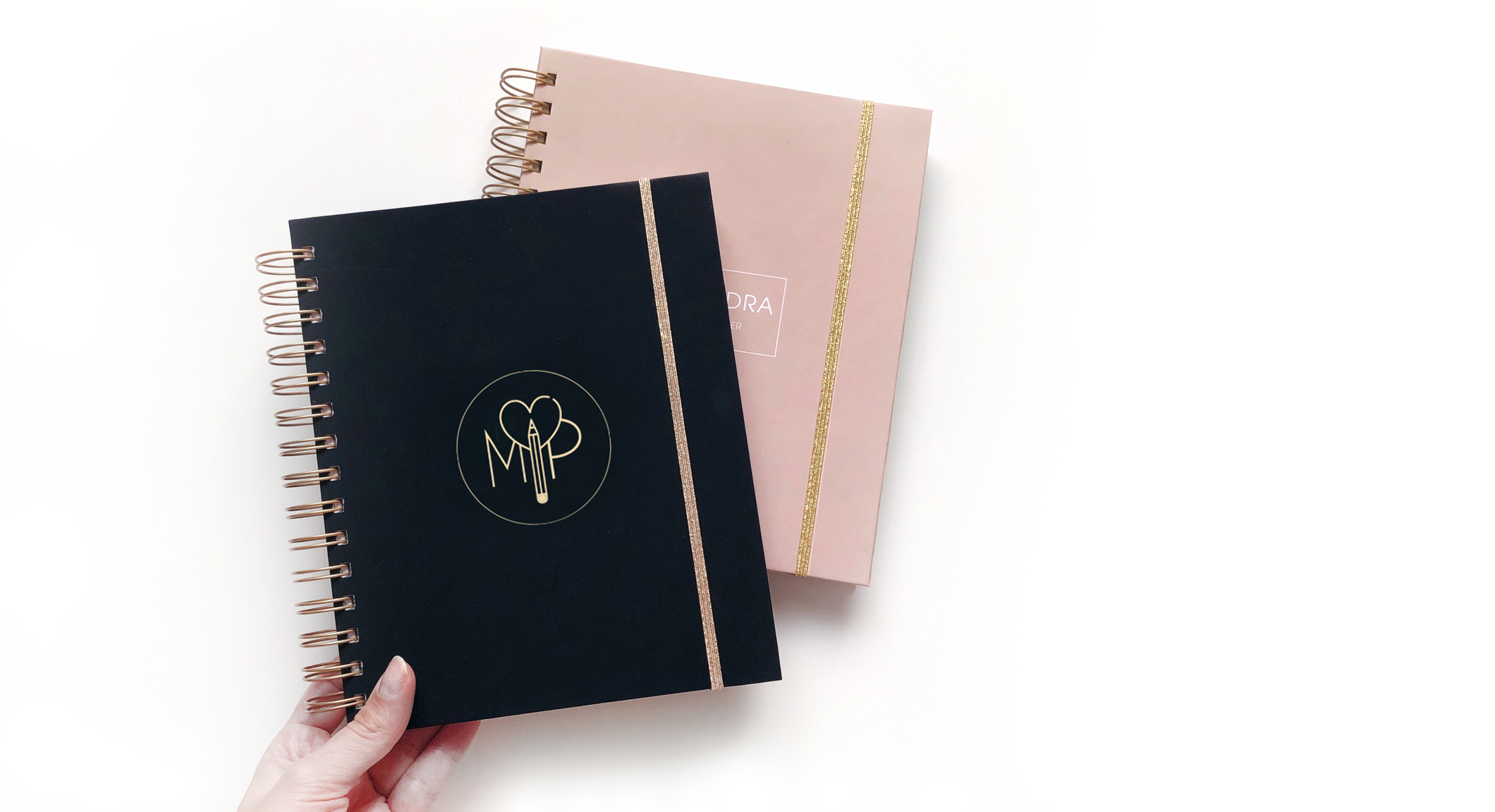 YOUR LOGO ON PLANNER - Do you run your own business? Are you a blogger? Or you want something really special? Ordering the cover with your own logo has never been easier!