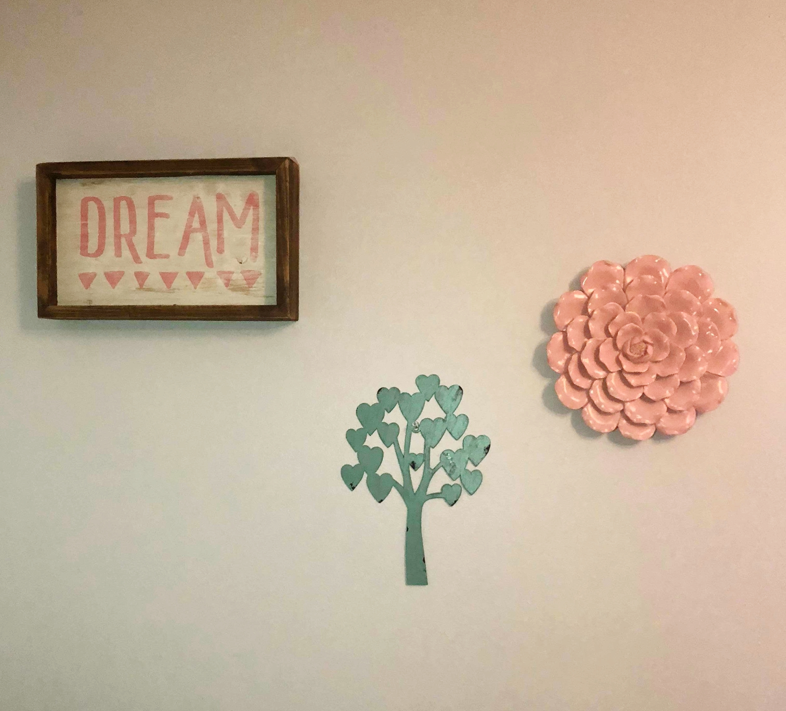 - 3. Dream Picture4. Pink Flower5. Metal Heart Tree