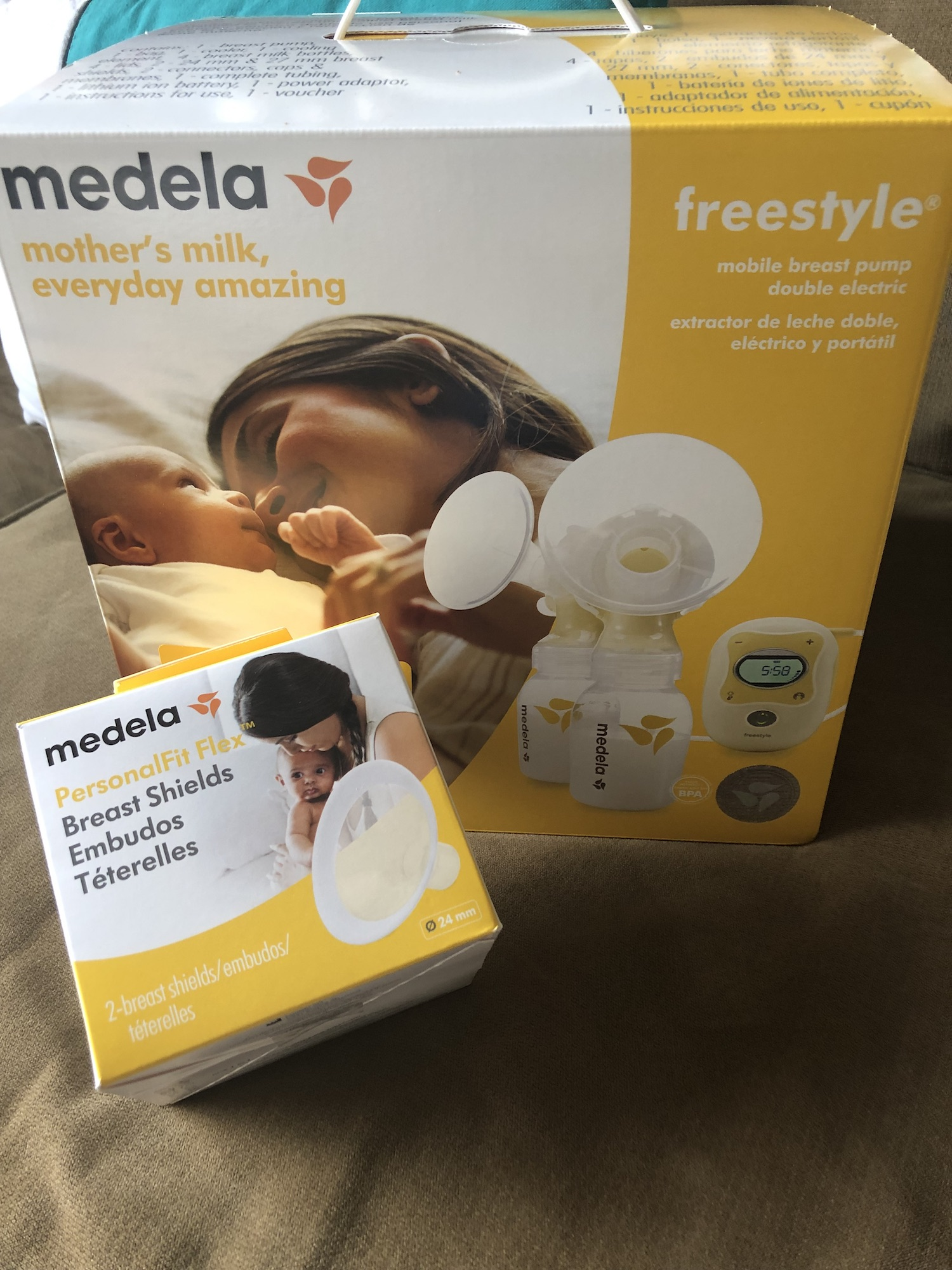 How to pump hands free? Use a mobile pump- Medela Freestyle and personal Fit Flex shields
