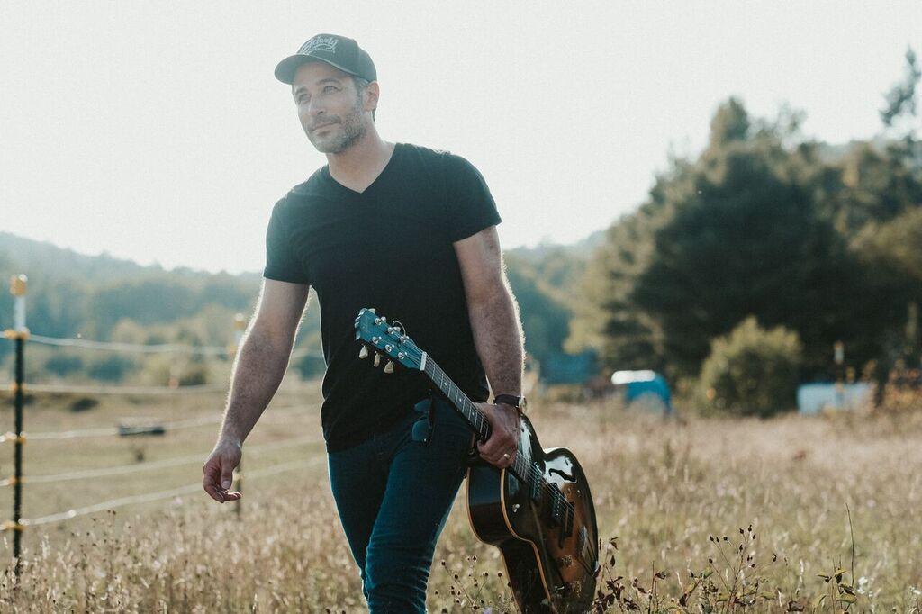 Joshua Davis | Folk, Rock  Saturday 5 PM