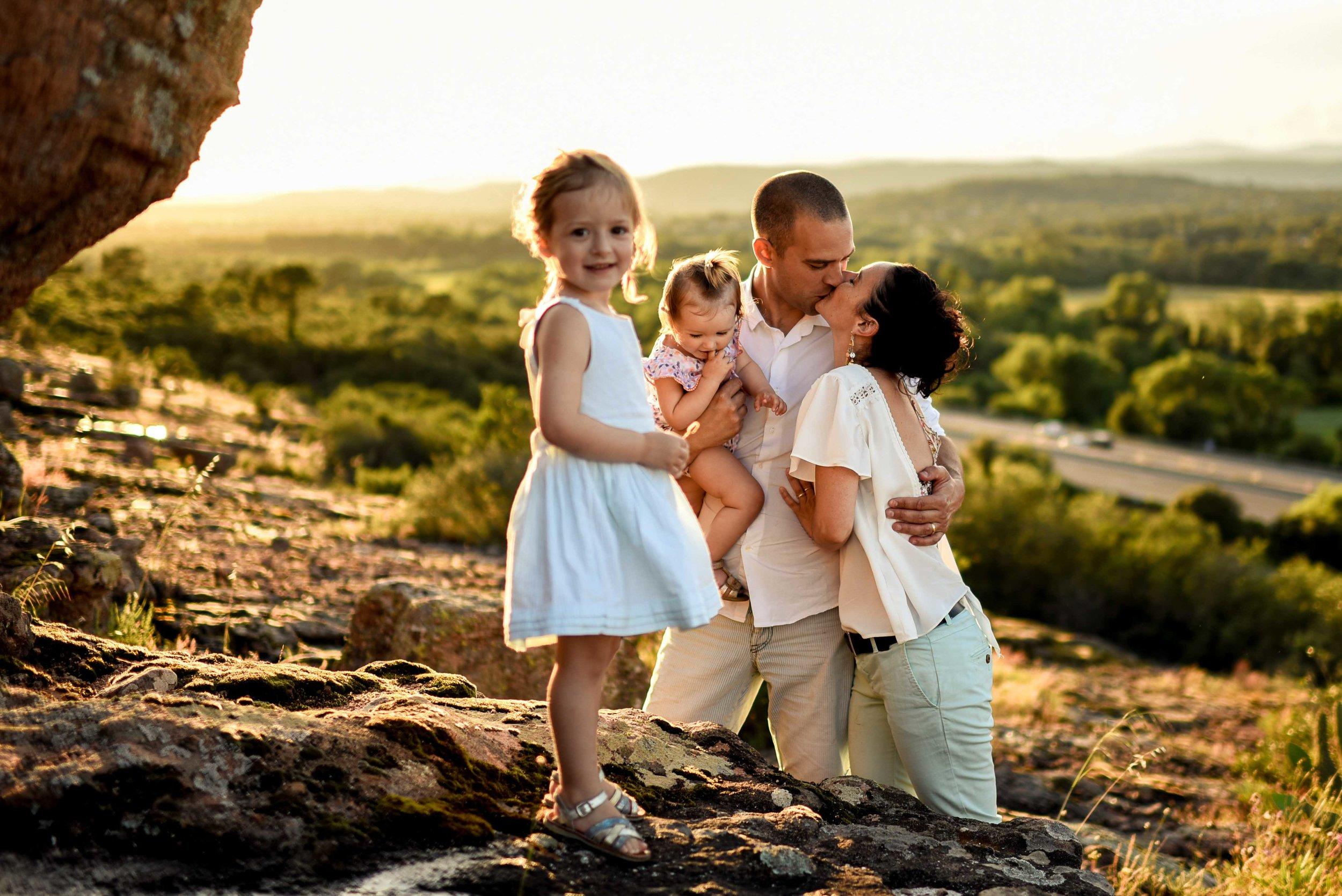 seance-photo-famille-naturelle-et-spontanee-4.jpg