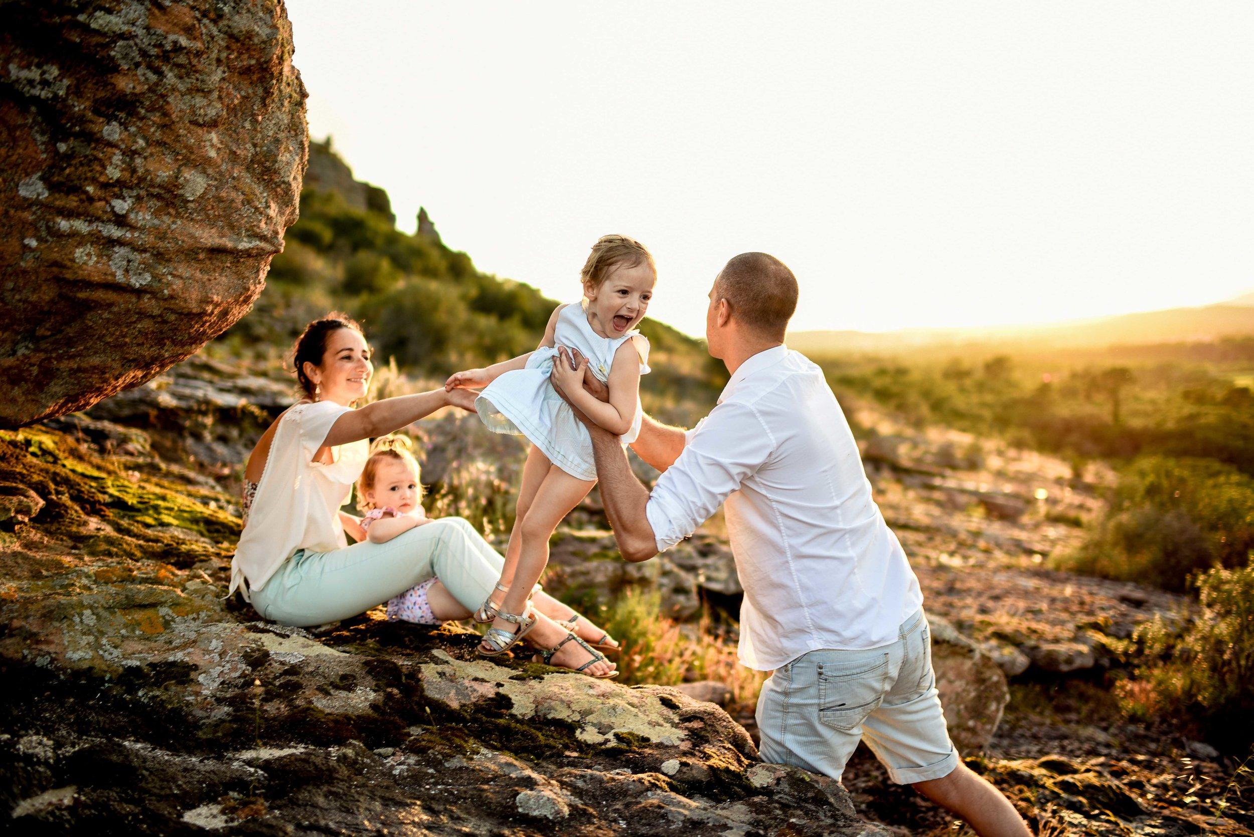 seance-photo-famille-naturelle-et-spontanee-8.jpg