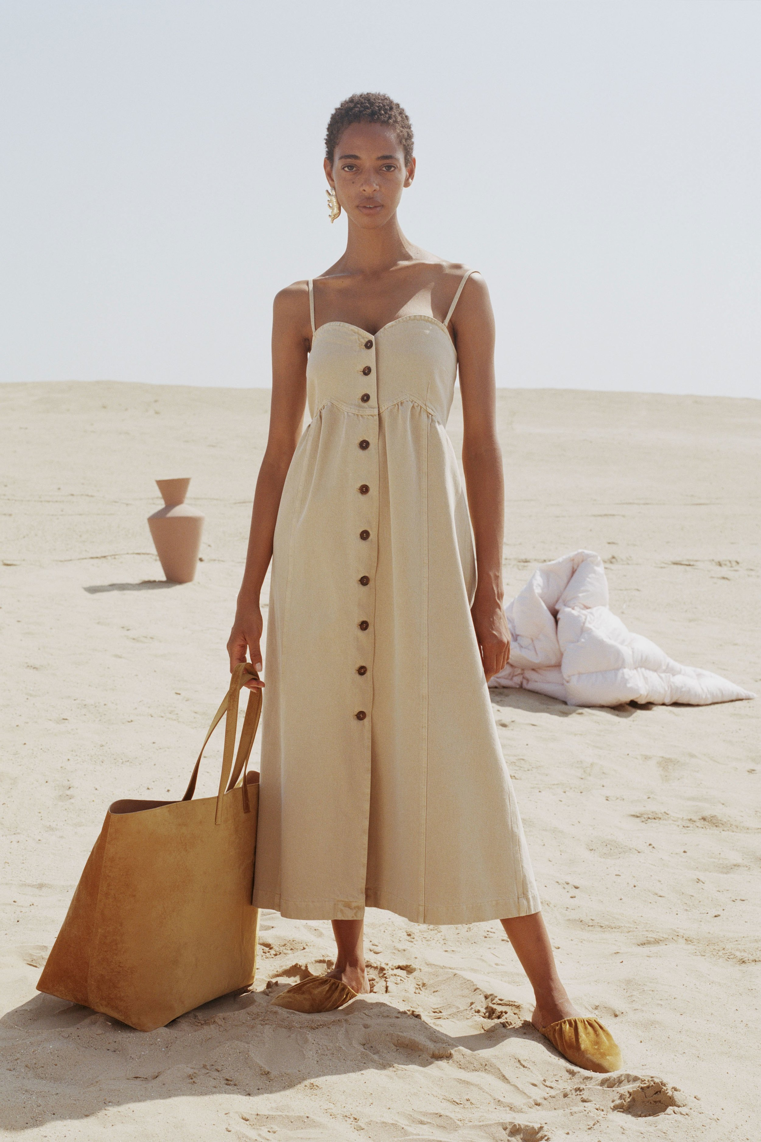 Kaia dress, creme    €350
