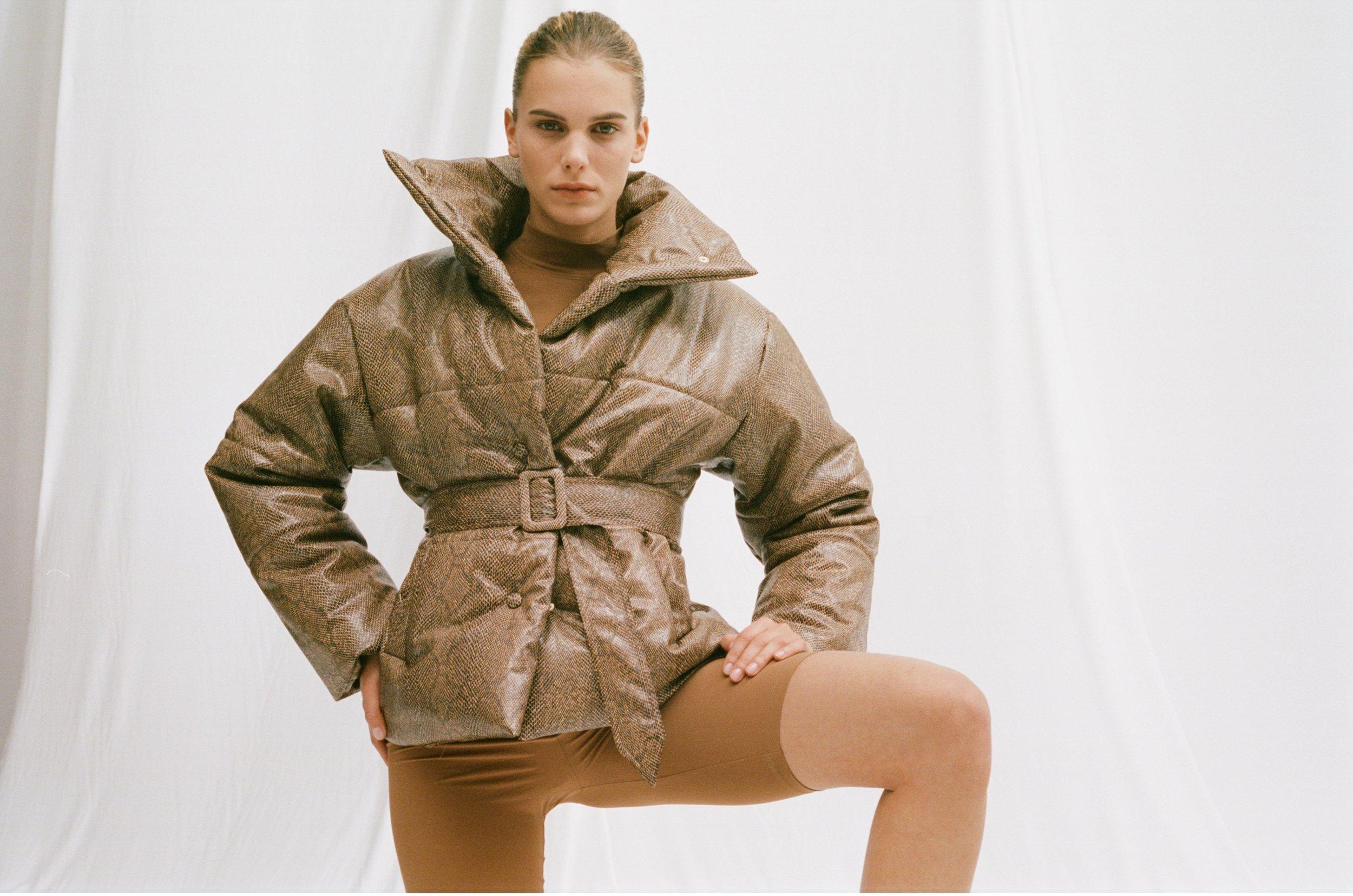 Hide Puffer Jacke t | €620  Jersey Biker Shorts  | €230
