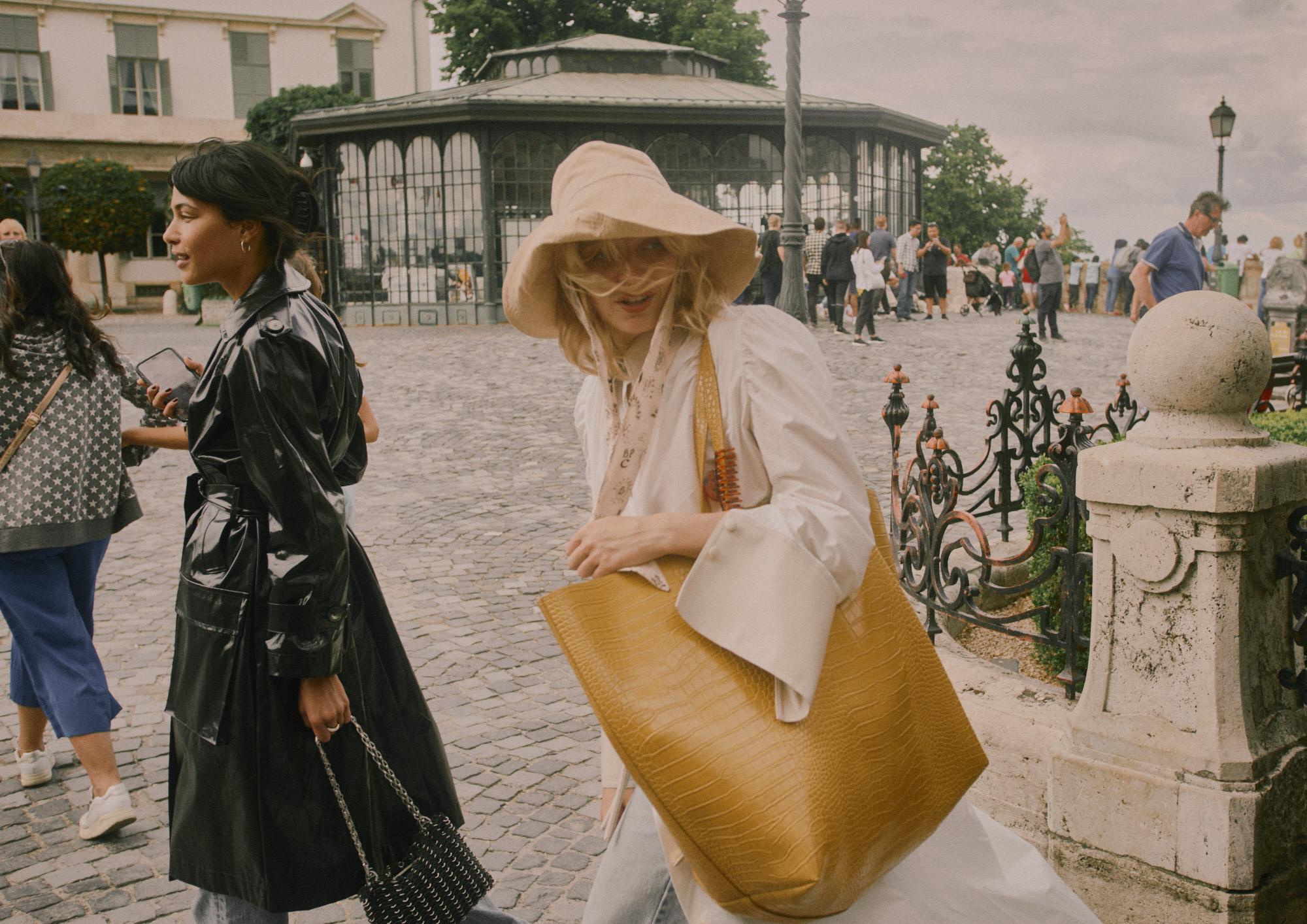 Ambar Vinyl Trench Coat | €870   Yoon Shirt Dress | €580   Sahara Oversized Tote Bag | €470