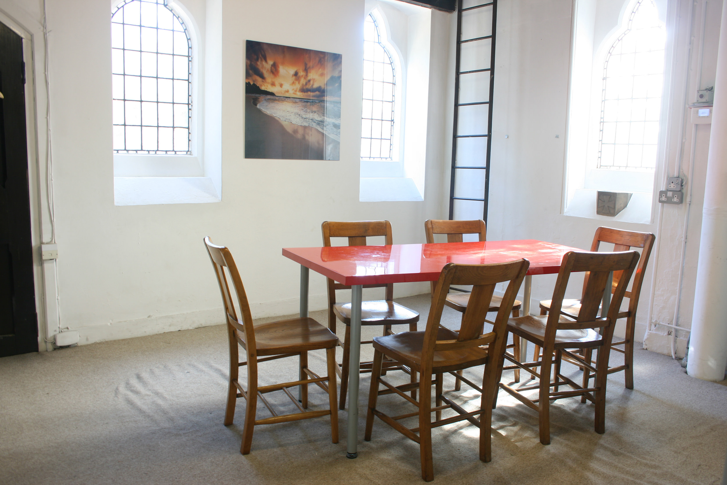 The Vestry Meeting Room, St George's - Capacity: 10 sitting or 15 standingHourly rate: £15
