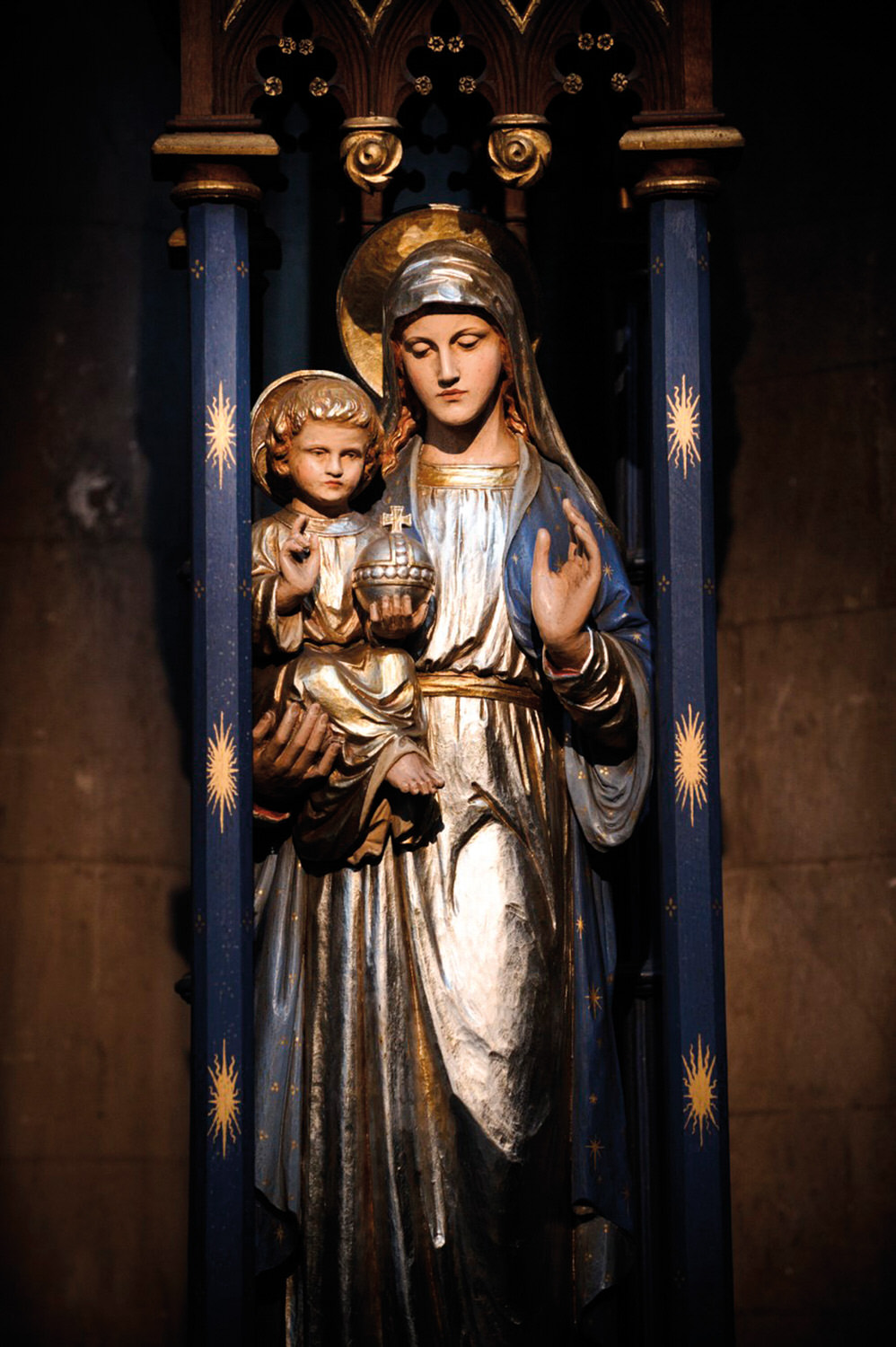 Statue of Blessed Virgin Mary and child
