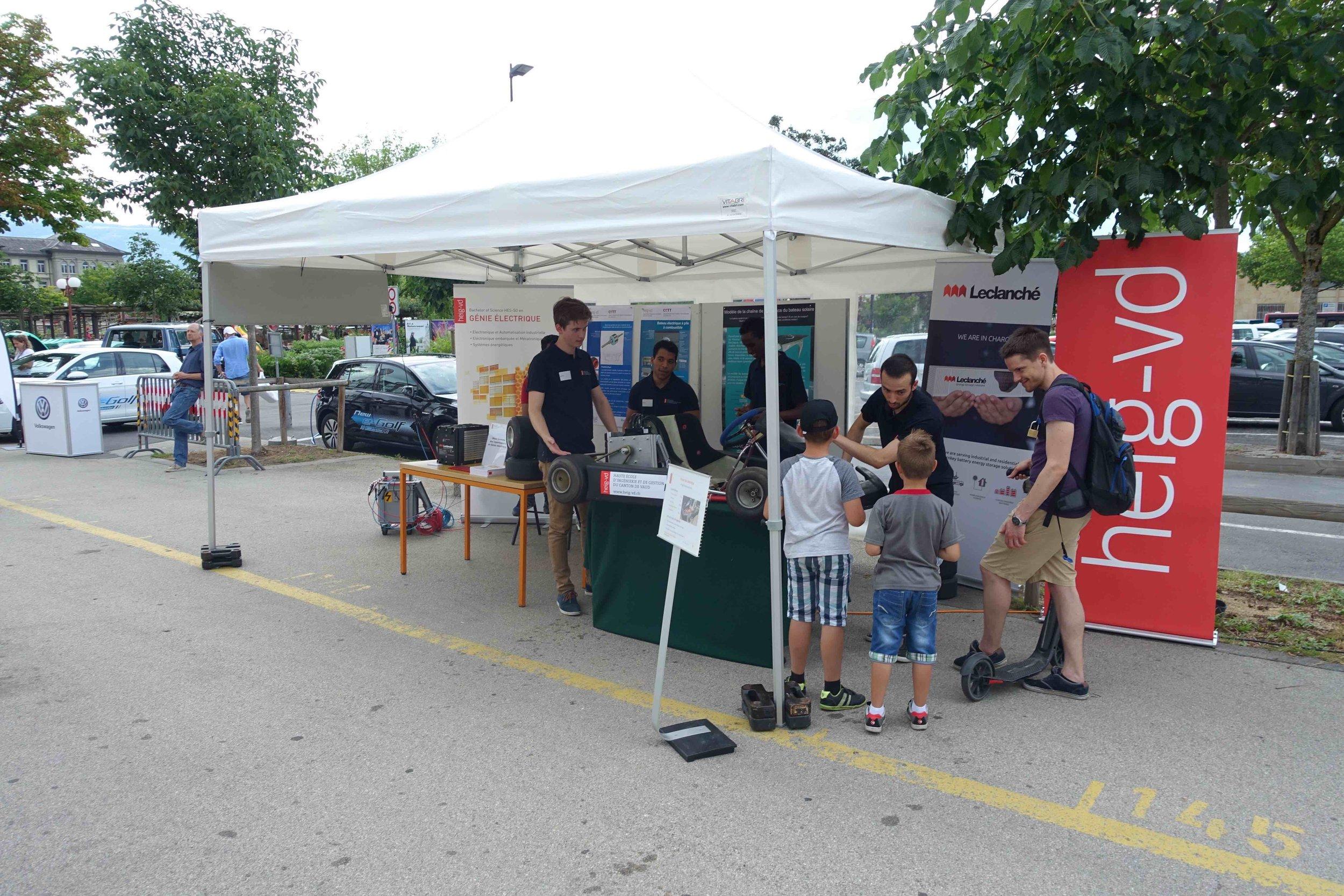 Présentation publique de notre projet dans les rues d'Yverdon-les-Bains