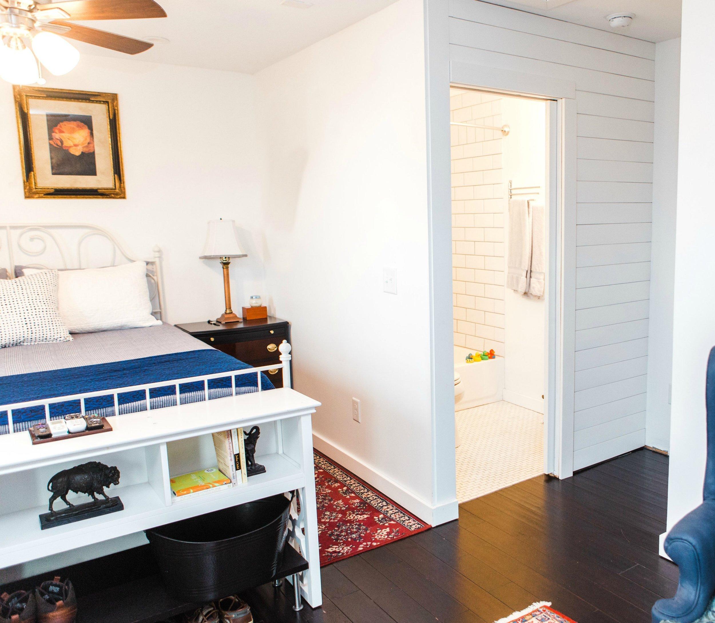 Houzz Bedroom to Bath 2.jpg