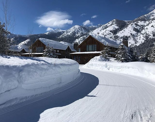 It's deep! The Lodges at Shooting Star have some really great views of the Mountain Resort and there is ONE available.... reach out for more info! #shootingstarjh @shootingstarjh  Betsy Bingle Real Estate . . . . . . #JacksonHoleRealEstate #JacksonHole #buyinjacksonhole #sellinjacksonhole #betsybingle #betsybinglerealestate #topproducer #realestateagent #sold #mountainmodern #mountainhome #wyoming #wyomingtaxbenifits #christiesinternationalrealestate #luxuryrealestate #3creek #shootingstarjh #tetonpines #eastjackson #cire  #beforeandafter #beforeandafterhome #homeremodel #homesforsale #luxuryrealestate #luxuryhomesforsaleinJH #soldbybingle