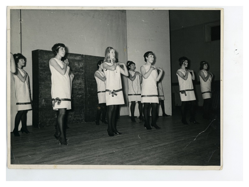 B193 Sharon Brewer - Jenny Croll - Phyllis Gorgin - Pamela Leigh - Pamela Levene - Hilary Tenner