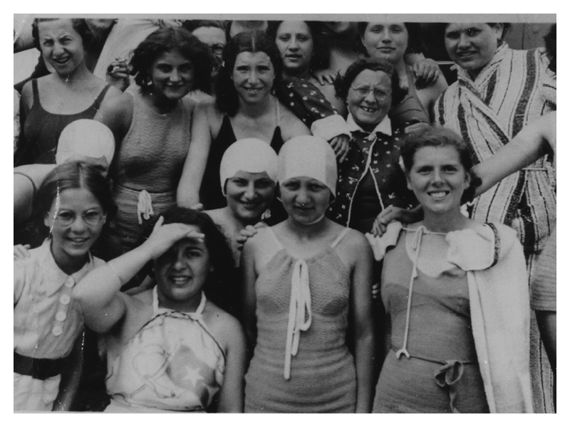 A2000 Swanage 1937. Sadie Stern