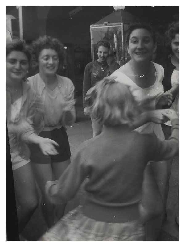 C2055 Rita Bloom - Sharon Cohen - Ros Goldstein - Rosalind Issacs