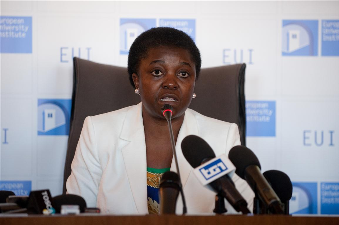 Former Immigration Minister Cecile Kyenge gives a speech at the European University Institute in 2013. (European University Institute, flickr)