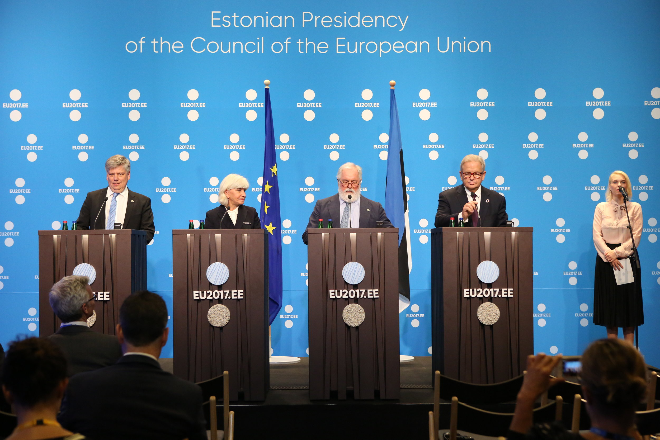 Siim Kiisler, the Minister of Environment of Estonia, Laurence Tubiana, the CEO of the European Climate Foundation, Miguel Arias Cañete, the EU Commissioner for Climate, Action, and Energy, and Chad Holliday, the Chairman of Royal Dutch Shell spoke at a gathering on Climate Change in 2017. (flickr)