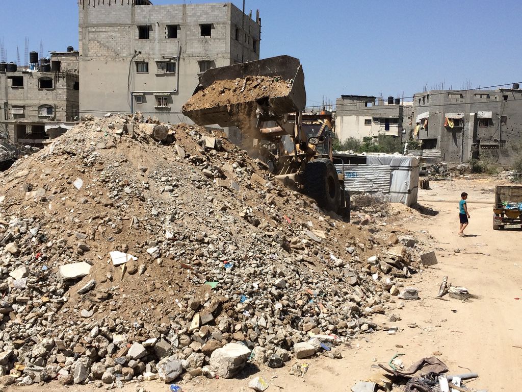Gaza awaits millions of dollars in aid for reconstruction efforts. (flickr)
