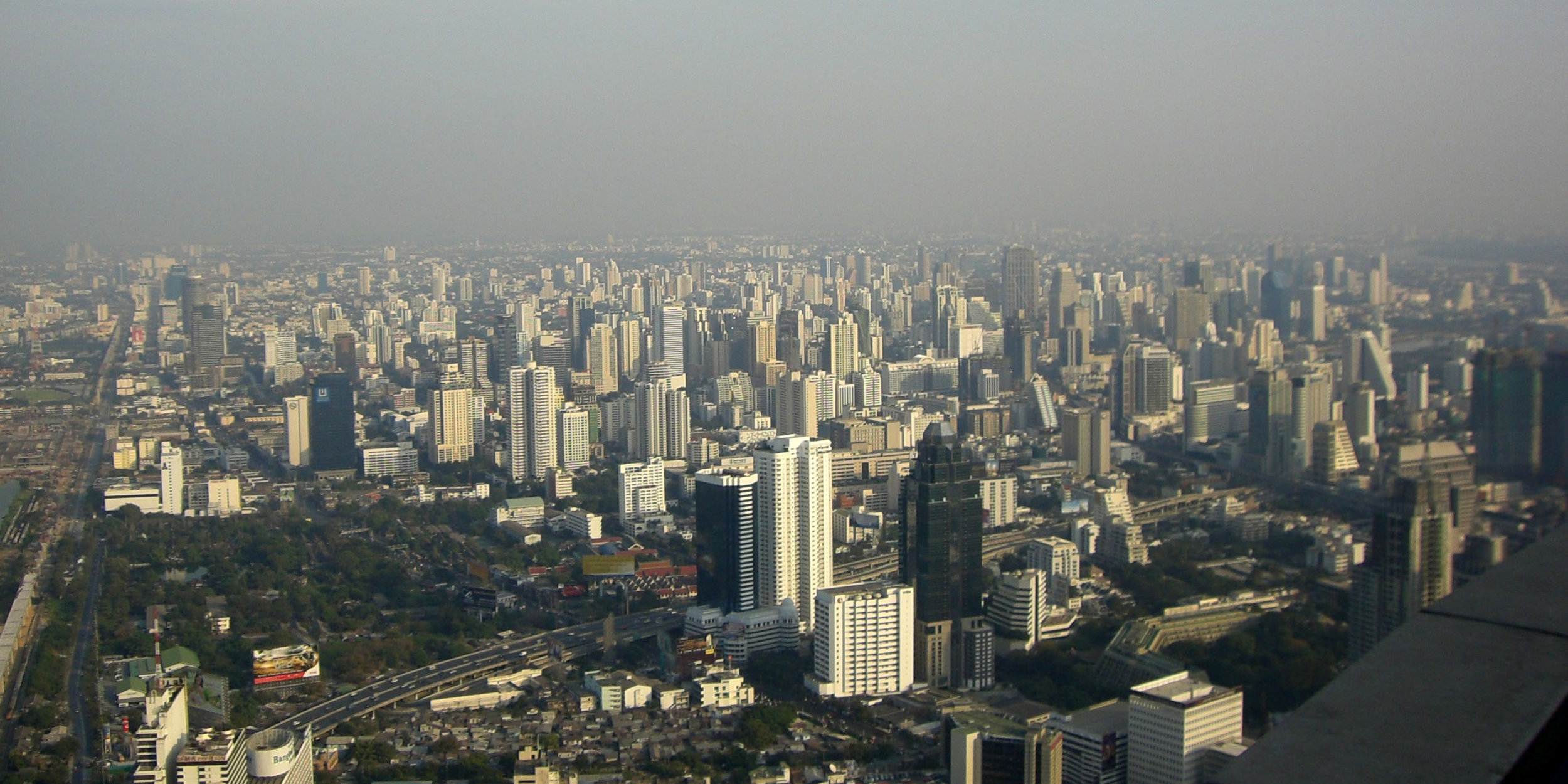 Health experts encourage Bangkok's citizens to stay indoors due to severe smog. (GoodFreePhotos)