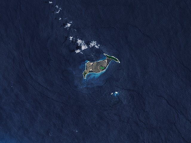 Hunga-Tonga-Hunga-Ha'apai is only the third volcanic island in 150 years to form out of a Surtseyan eruption and survive erosion. (Wikimedia Commons)