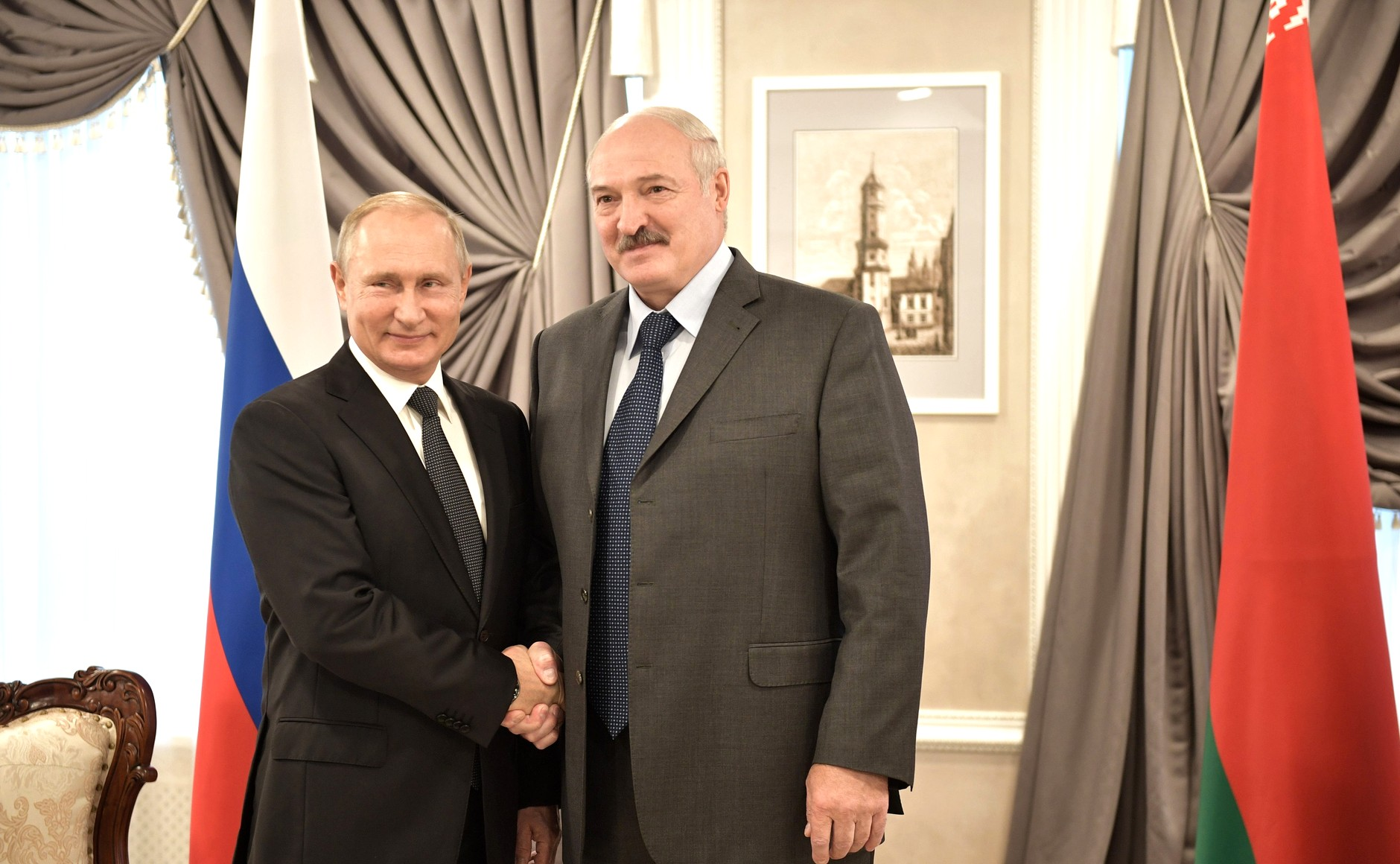 Russian President Vladimir Putin, left, and Belarusian President Alexander Lukashenko, right, pictured at the Kremlin after a meeting in October 2018. (The Kremlin)