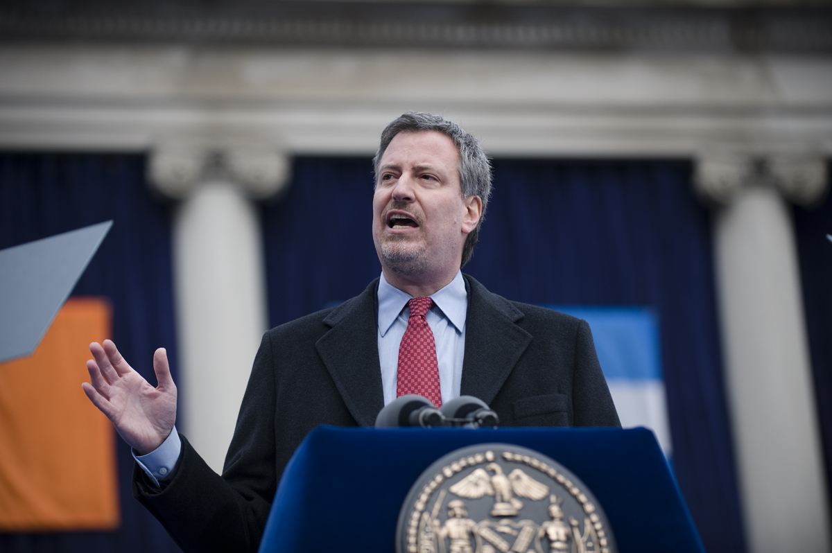 New York City Mayor Bill de Blasio pushes back against Amazon's changing policies in his city. (Wikimedia Commons)