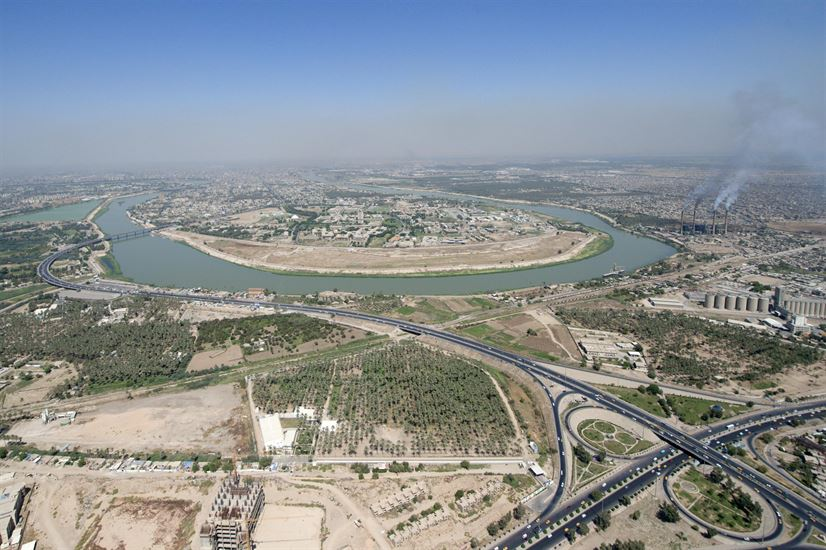 Passing through Mosul and Baghdad, the Tigris flows from southeastern Turkey, through Iraq, and empties into the Persian Gulf. (Department of Defense)