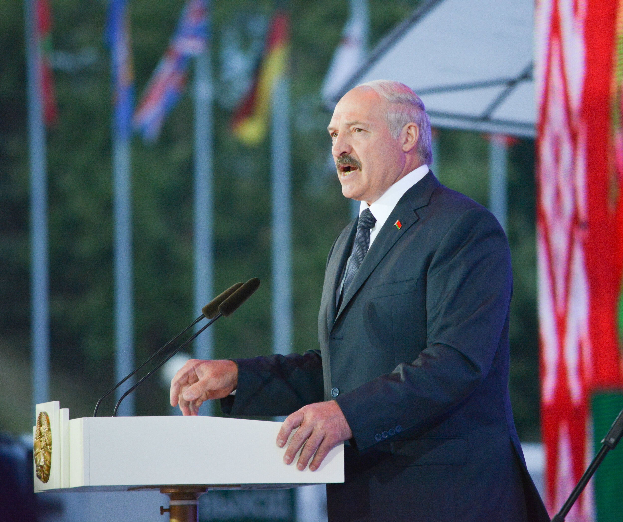 After expelling the American ambassador in 2008, Lukashenko has announced a thaw in the US-Belorussian diplomatic relationship. (Wikimedia Commons)