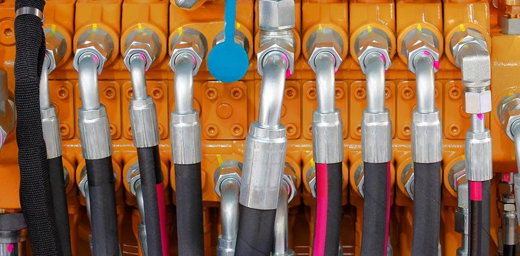 hyd hose installed.jpg
