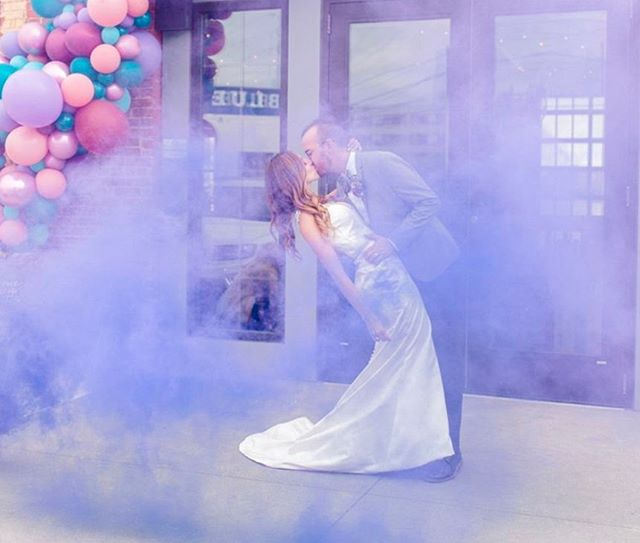 From balloon arches to smoke bombs, we love seeing our brides add unique touches to their big day! 🎈 • Oh and did I mention how obsessed with this color palette we are? Share YOUR wedding colors with us below! 🎨  #balloonarch #smokebombphotography #weddingcolors 📸: @bethwaterman 🏫: @industry.828