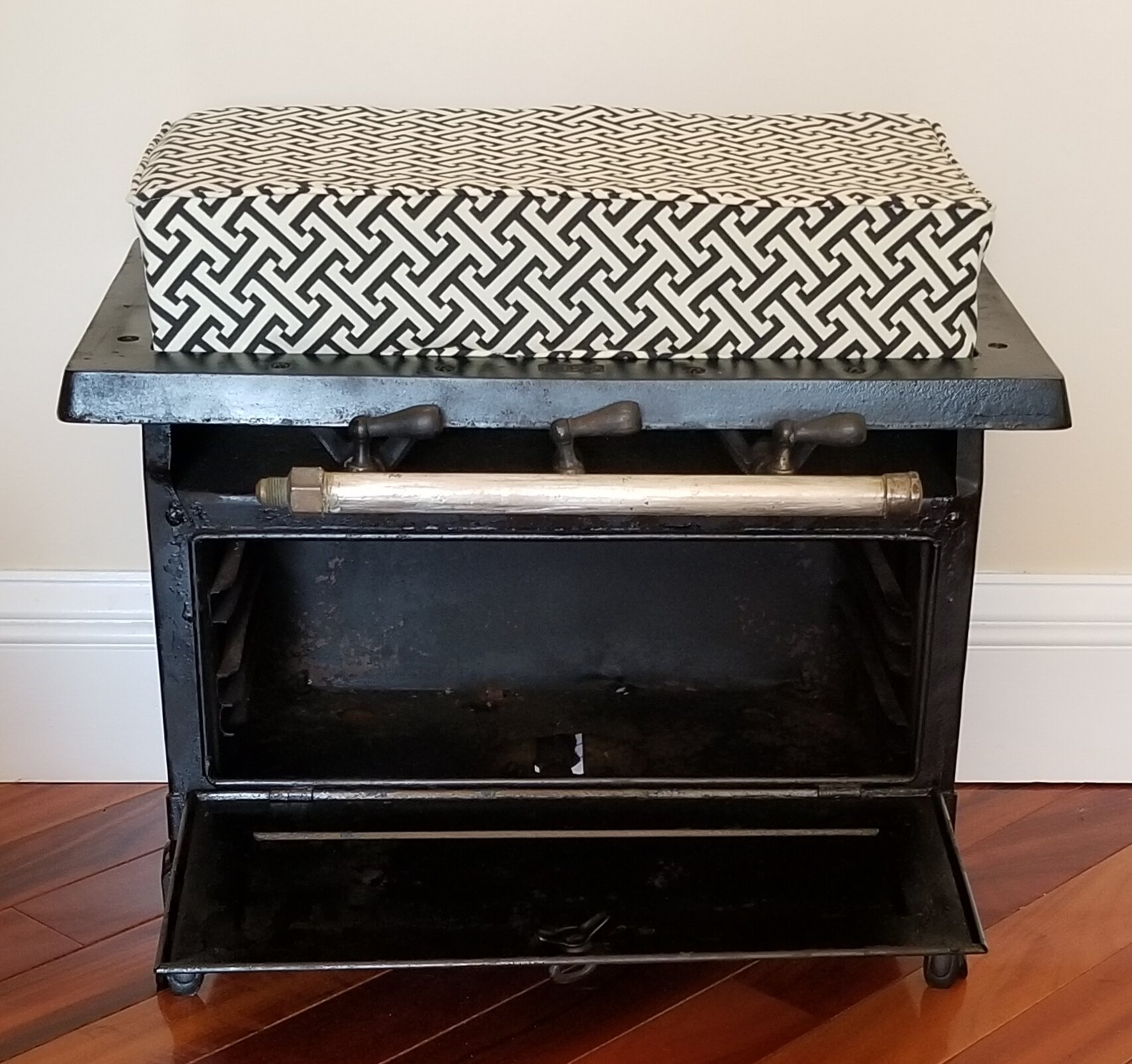 Black Foot Stool (for scoop chairs)