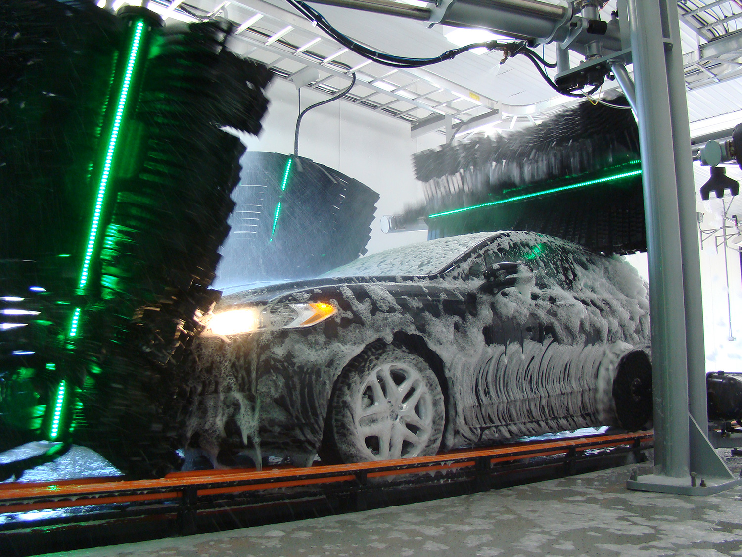 Touchless Car Wash, Drive-Through Automatic Wash - Great White
