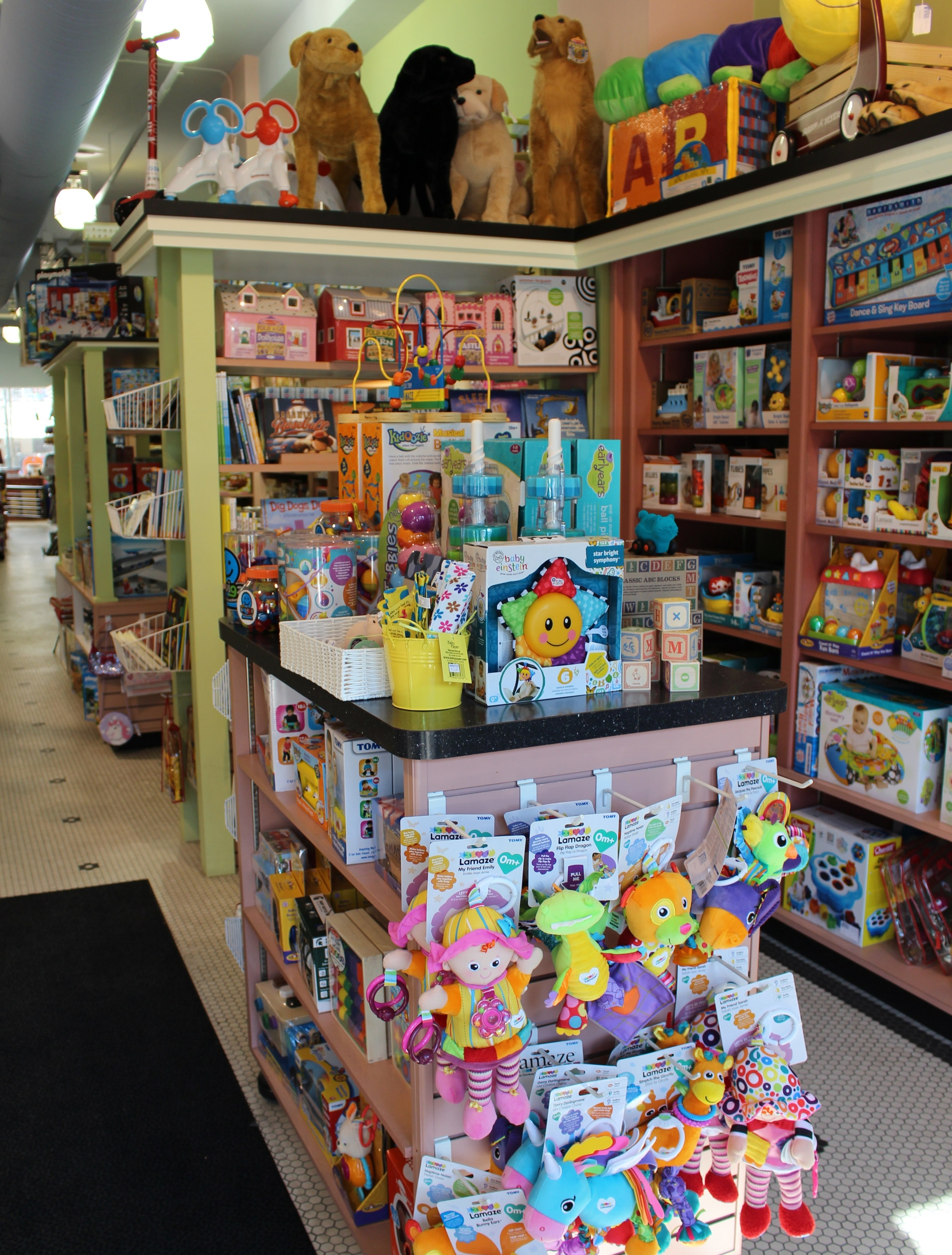 Located Conveniently in Downtown Birmingham - Our store's prime location on Maple makes it easy for you to find all your kids' favorite toys in one place. With in-store wrapping and advance ordering, we aim to provide the best toy shopping experience in the Metro Detroit area!Learn more ➝