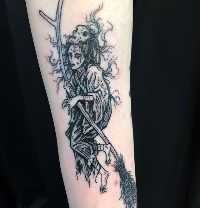 Gnarled witch for one of my long standing clients! Thanx a lot for the trust @cosbeezy !!! Inktober is coming fast so book your project now!#witchythings #inktober2019 #premiumtattoooakland #oaklandtattooshop #oaklandtattooartist #tattoosonbroadway #baytattooers #magicbroom #flyingointment #blackwork #blackwitch #trickortreat #dundracon2019 #monstermanual #criticalhit