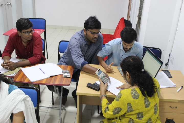 1-1 Mentorship support - Our director interacts with the students on a 1-1 basis to address difficulties they may be facing in their training, advice on their goals and how to pace themselves better to reach their goals and other intangibles. She helps them identify their strengths, weaknesses and guides them on how to proceed to reach their set goals.