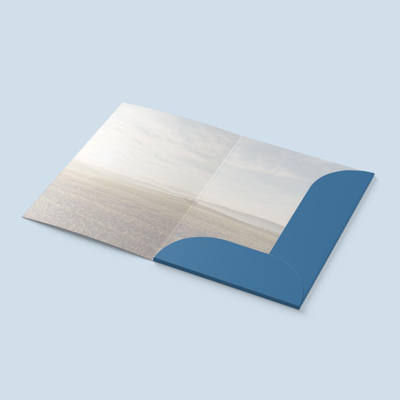 Valoral-Folder-Mockup-inside.jpg