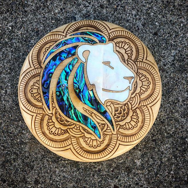 New abalone and pearl inlay lion Mini
