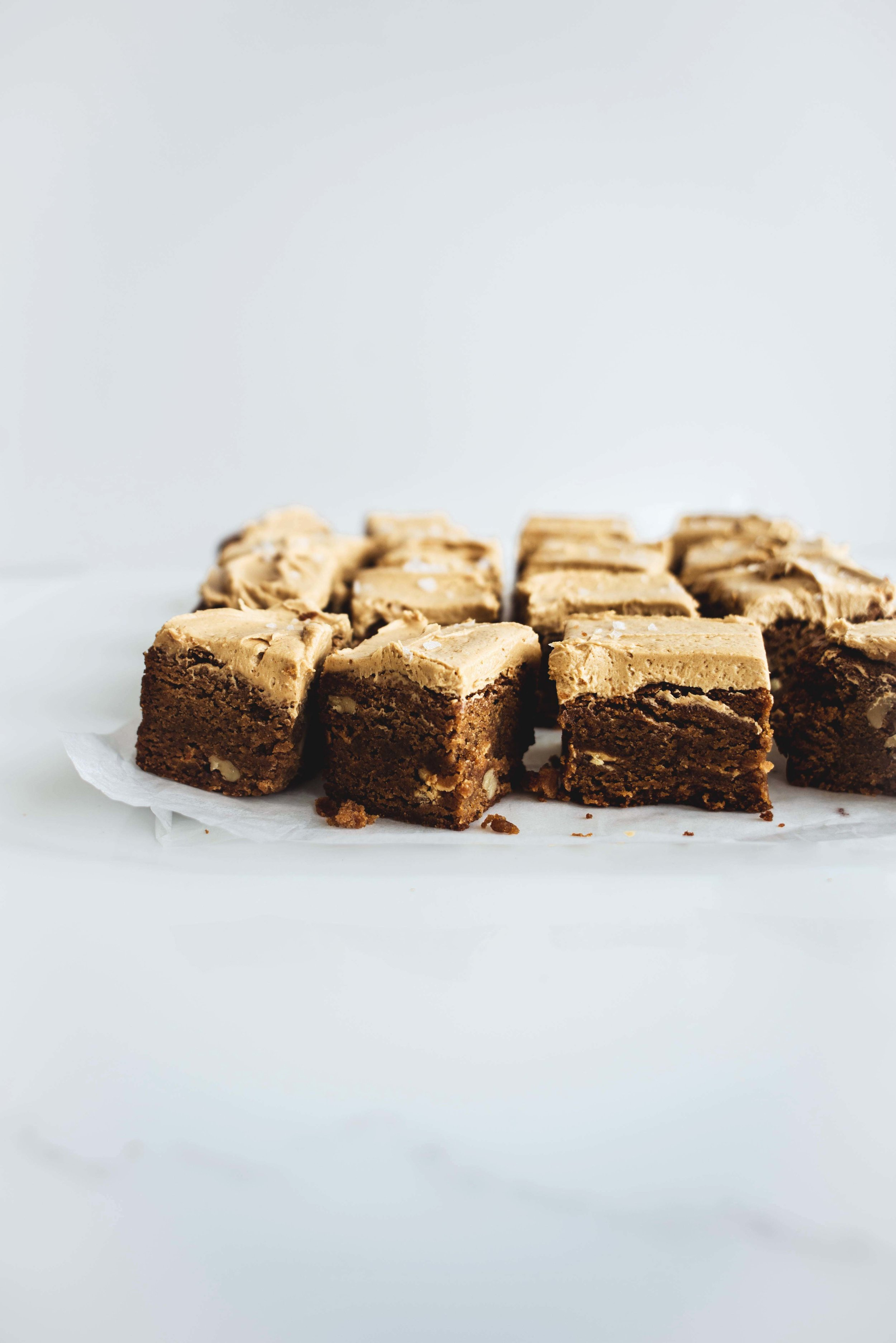 Brown-Butter-Blondies-with-Salted-Speculoos-Frosting-7.jpg