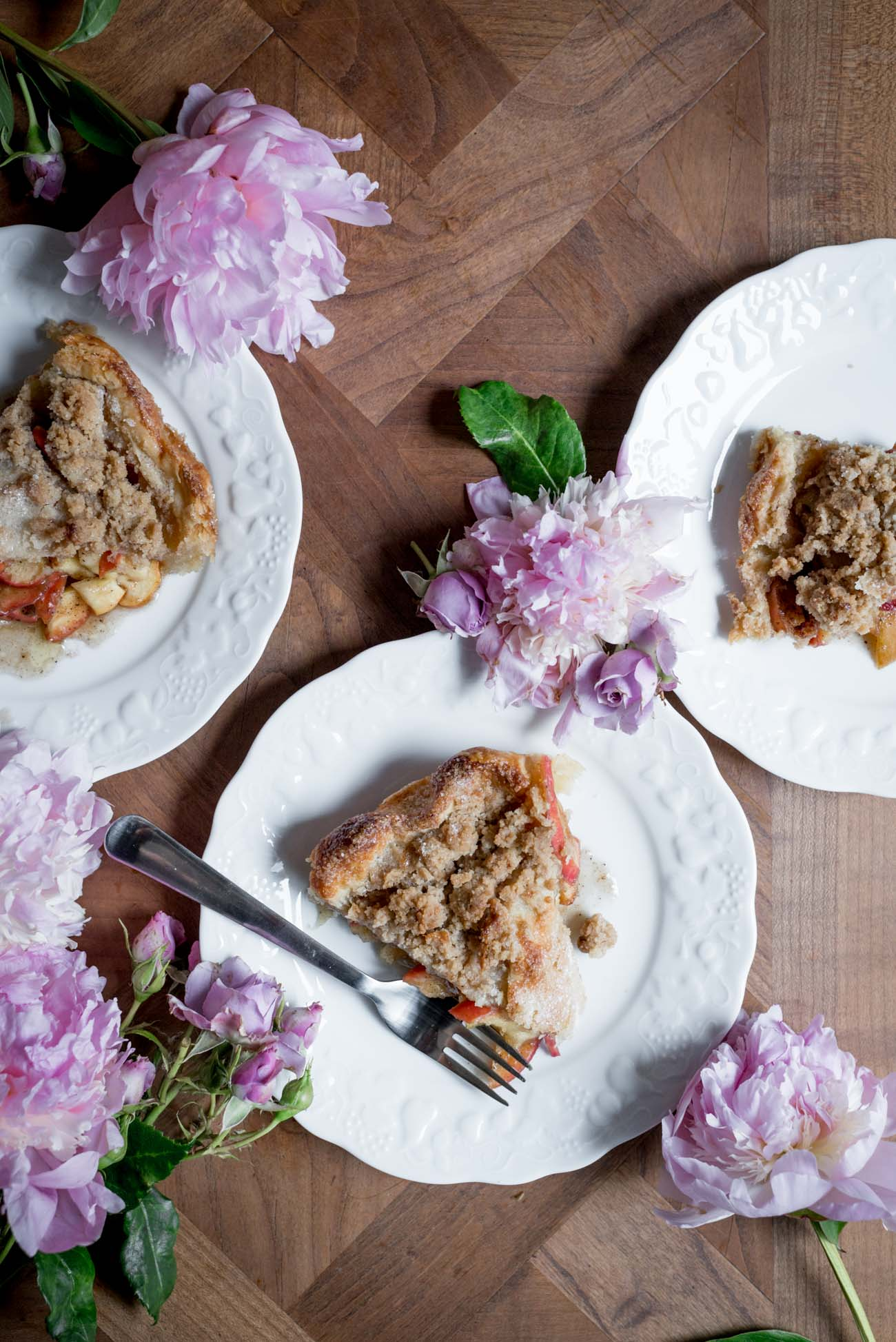 Hazelnut-Streusel-Apple-Pie-with-Brown-Butter-3.jpg