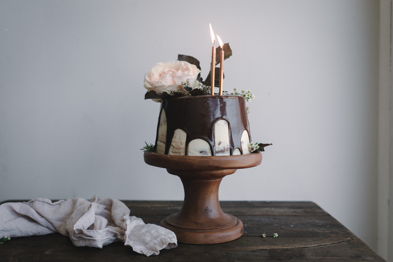Gingerbread-Whisky-Cake-with-Brown-Sugar-Swiss-Meringue-Buttercream-and-Milk-Chocolate-Ganache-1-96-of-217.jpg