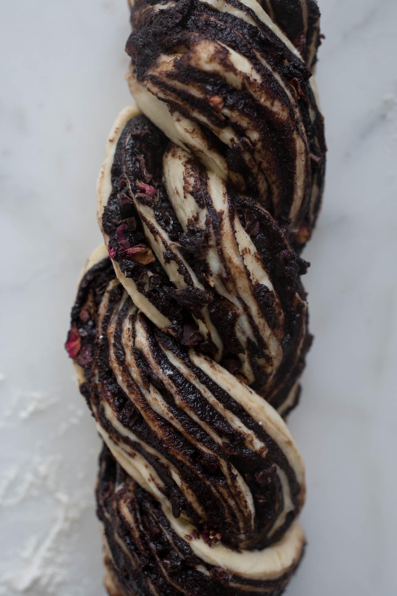 Espresso-Cacao-Brioche-Babka-with-Rose-3.jpg