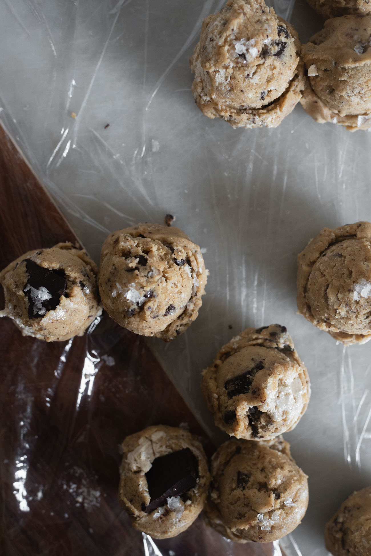 Halvah-Burnt-Butter-and-Walnut-Chocolate-Chunk-Cookies-6-of-14.jpg