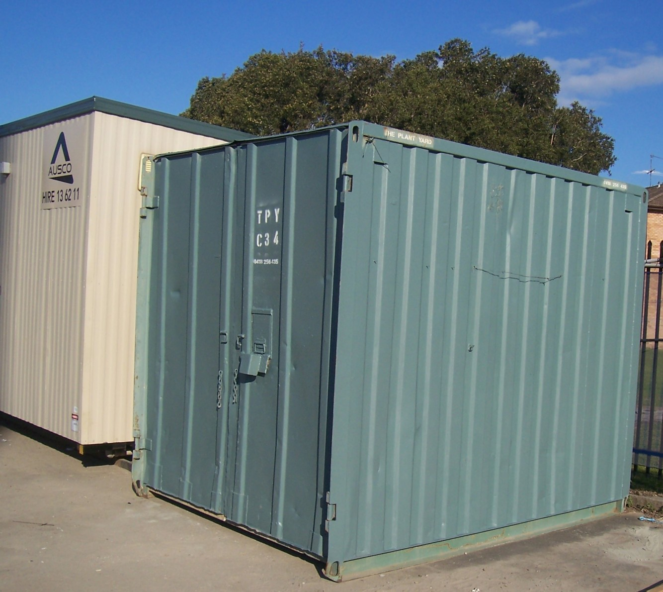 half shipping container hire.JPG