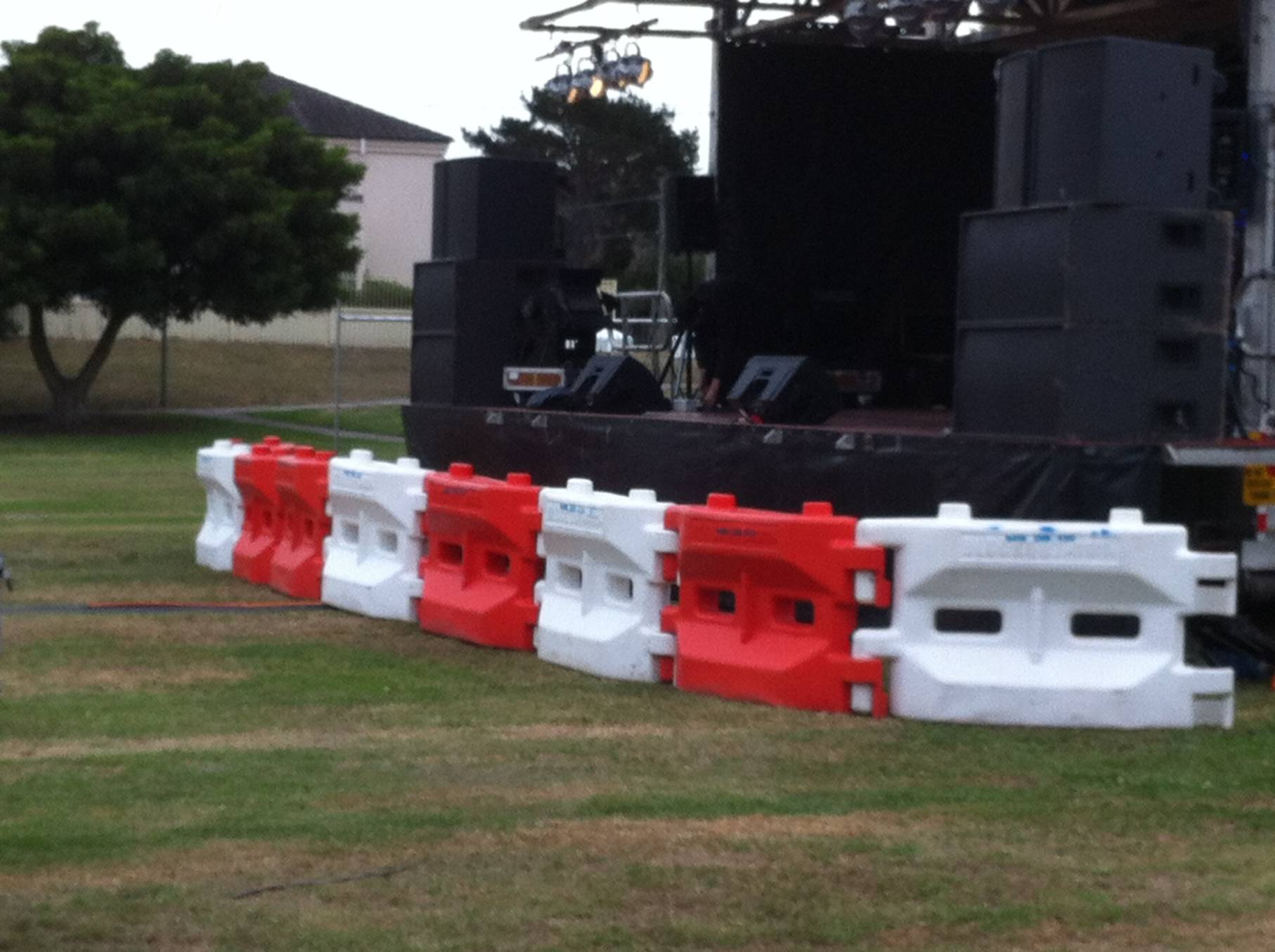 crowd control barriers for hire.JPG
