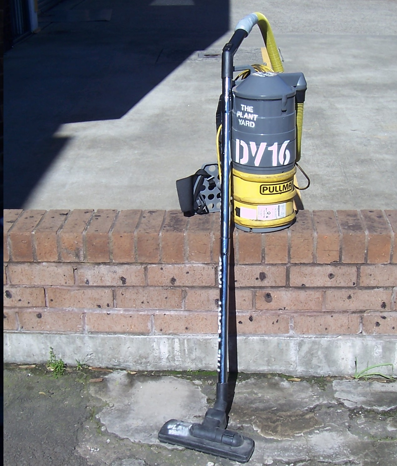 vacuum cleaner hire sydney.JPG