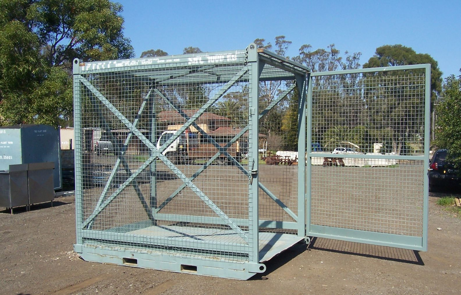 lifting cage hire.JPG